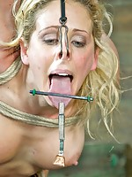 The tit torment makes Cherie DeVille scream out in less than a second. Her voice rings out clearly from the start. It will probably be the most pleasant thing she endures today. The copper wiring wound around her toes is a clear sign of what comes next: s